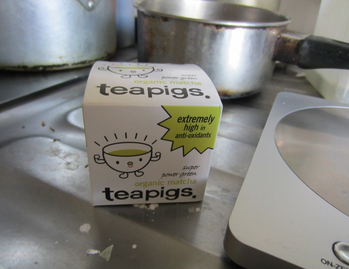 Cooking with teapigs matcha green tea - green tea chiffon cake