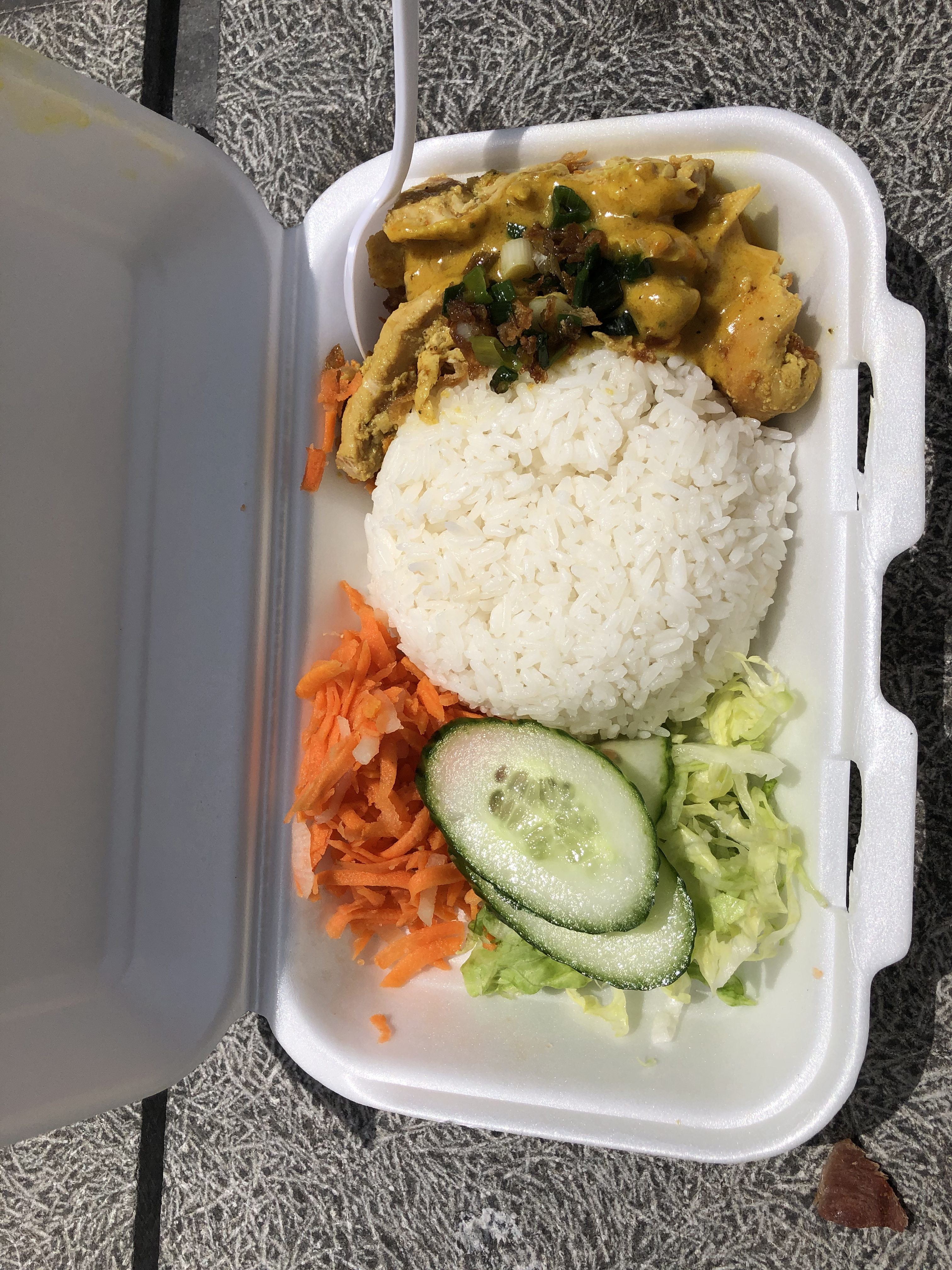 Banh Mi Town chicken curry rice