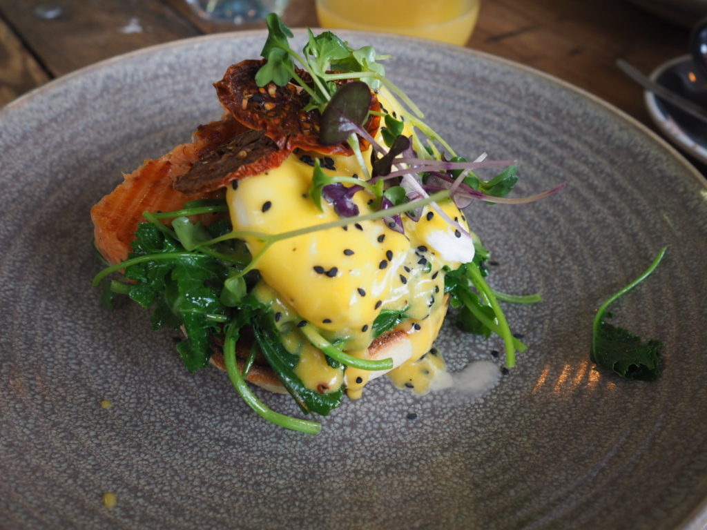eggs benedict with Salmon